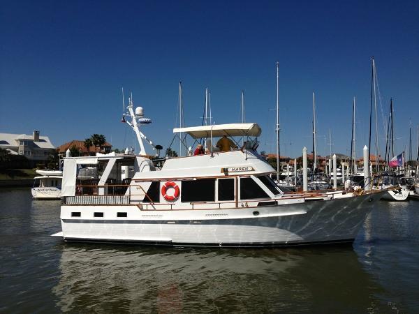 Island Gypsy 44 Motor Cruiser