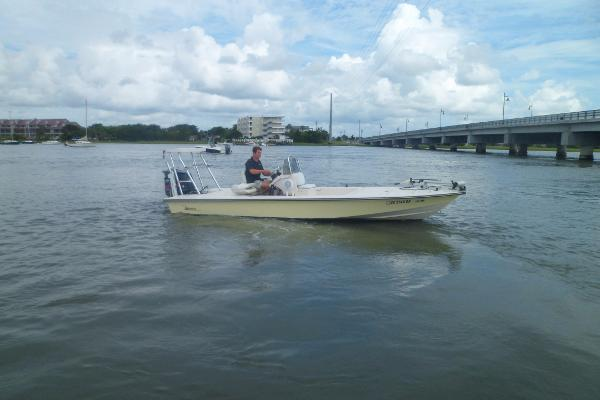 Maverick 21 Master Angler PORT UNDERWAY