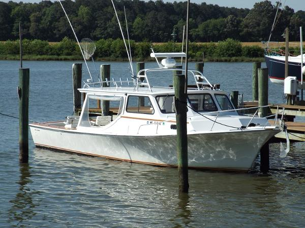 Williams Marine Chesapeake Bay Boat side view