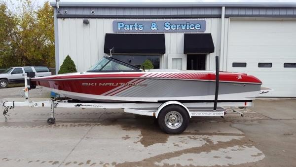 Nautique Ski 200 Team Edition Closed Bow