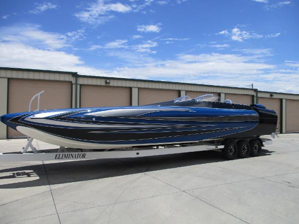 Eliminator Boats 36 Daytona