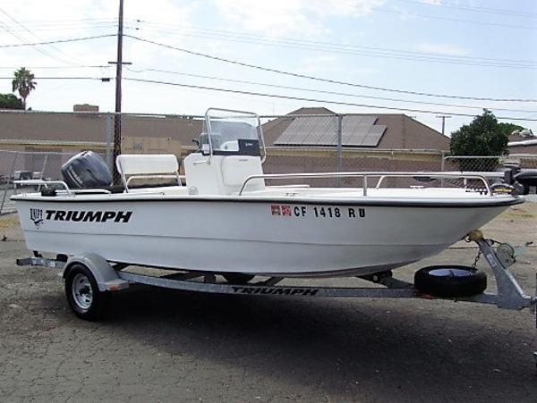 Triumph 1700 Skiff CC