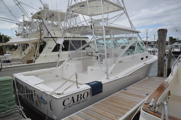 Cabo 35 Express