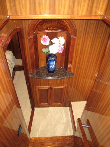 Vestibule to VIP Stateroom
