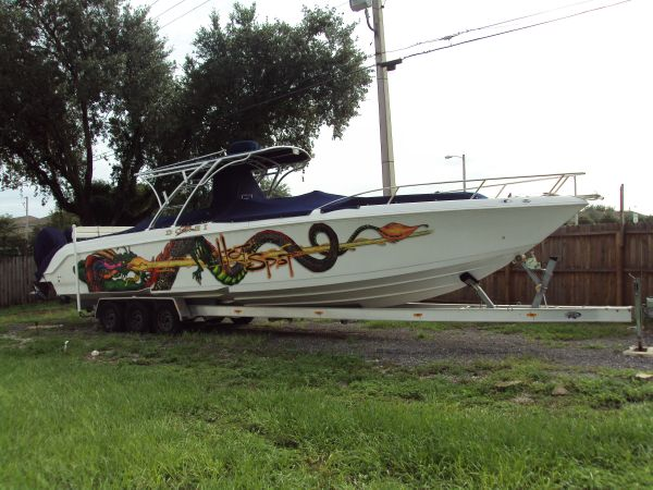 Donzi 38 ZFX Cuddy Starboard Side View