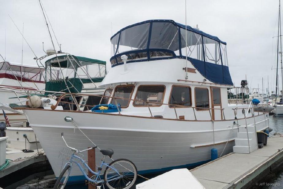 DeFever Double Cabin Motoryacht