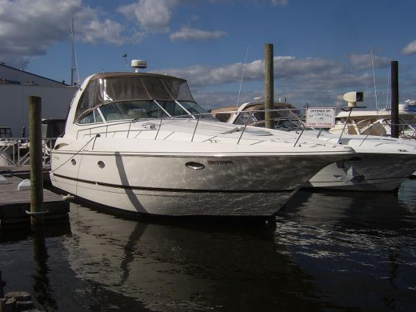 Cruisers Yachts 3772 Express