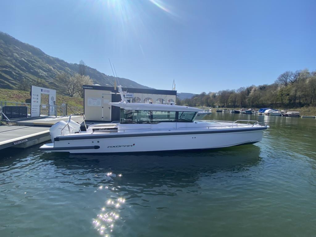 Axopar 37 Cross Cabin Vorfhrboot