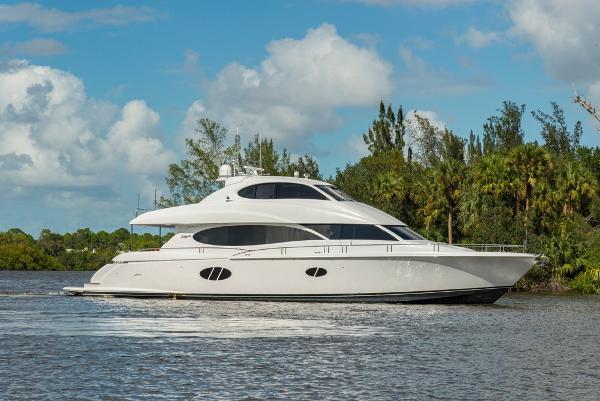 Lazzara Motor Yacht Exterior