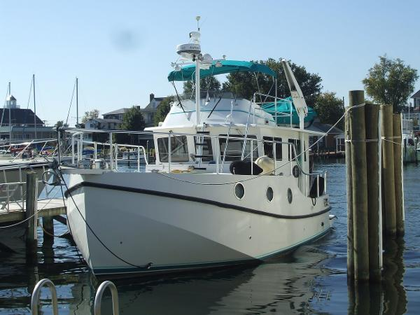 Great Harbor N37 Trawler
