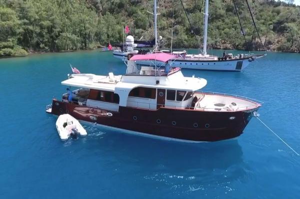 Kun-Tur Trawler 64