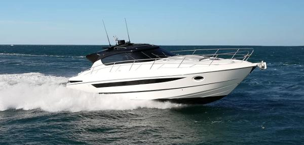 Focus Motor Yachts Power 44