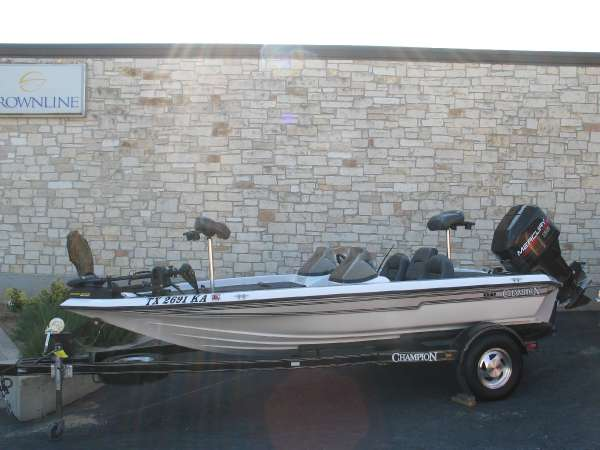 CHAMPION BOATS 171 DC