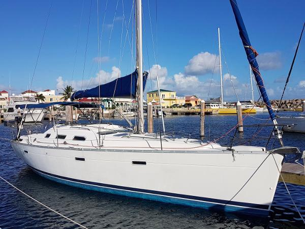 Beneteau Oceanis Clipper 393 Outside
