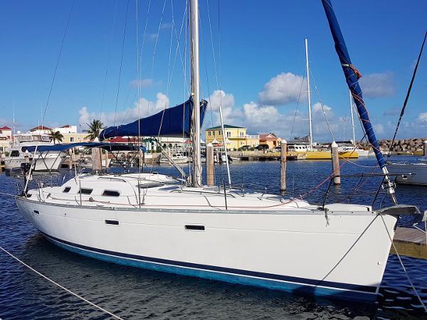 Beneteau Oceanis Clipper 393 Outside