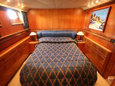 Guest double cabin with ensuite