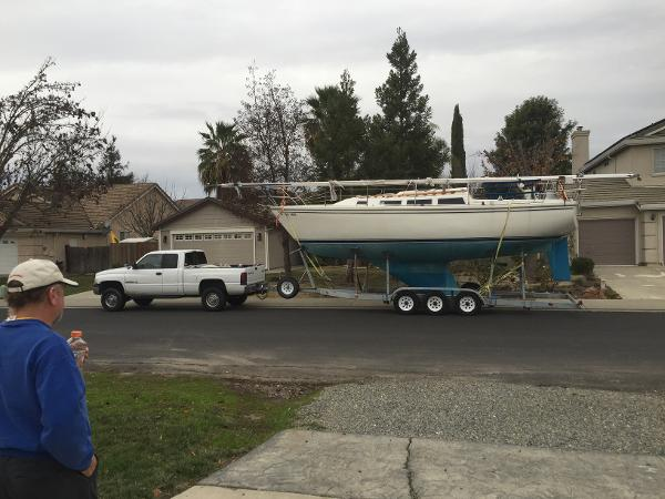 Catalina 30' on 3-Axle Trailer Abeam