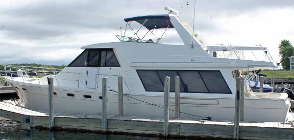 Bayliner 4788 Pilothouse Port Profile
