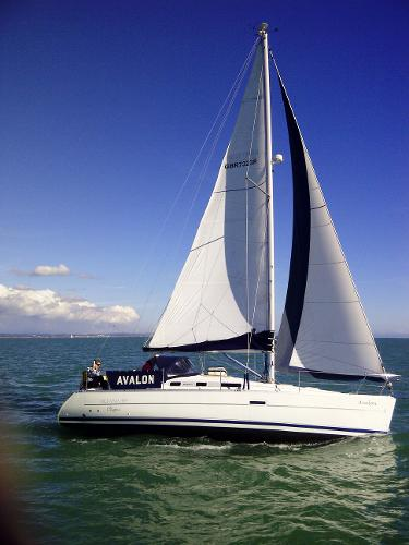Beneteau Oceanis 323 - Under Sail
