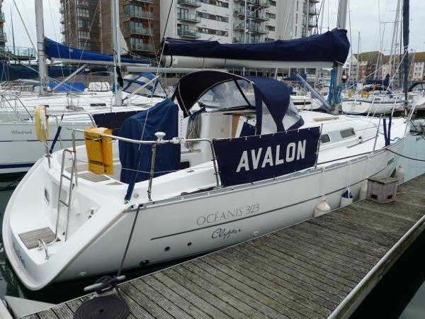 Beneteau Oceanis 323 - Starboard Side Profile