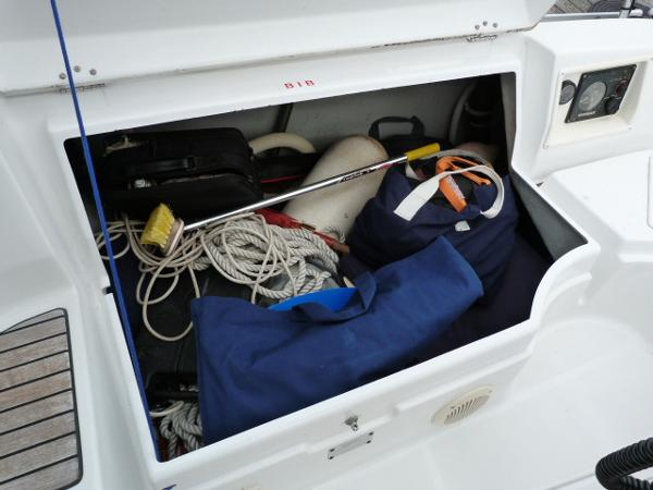 Beneteau Oceanis 323 - Cockpit Starboard Side Locker
