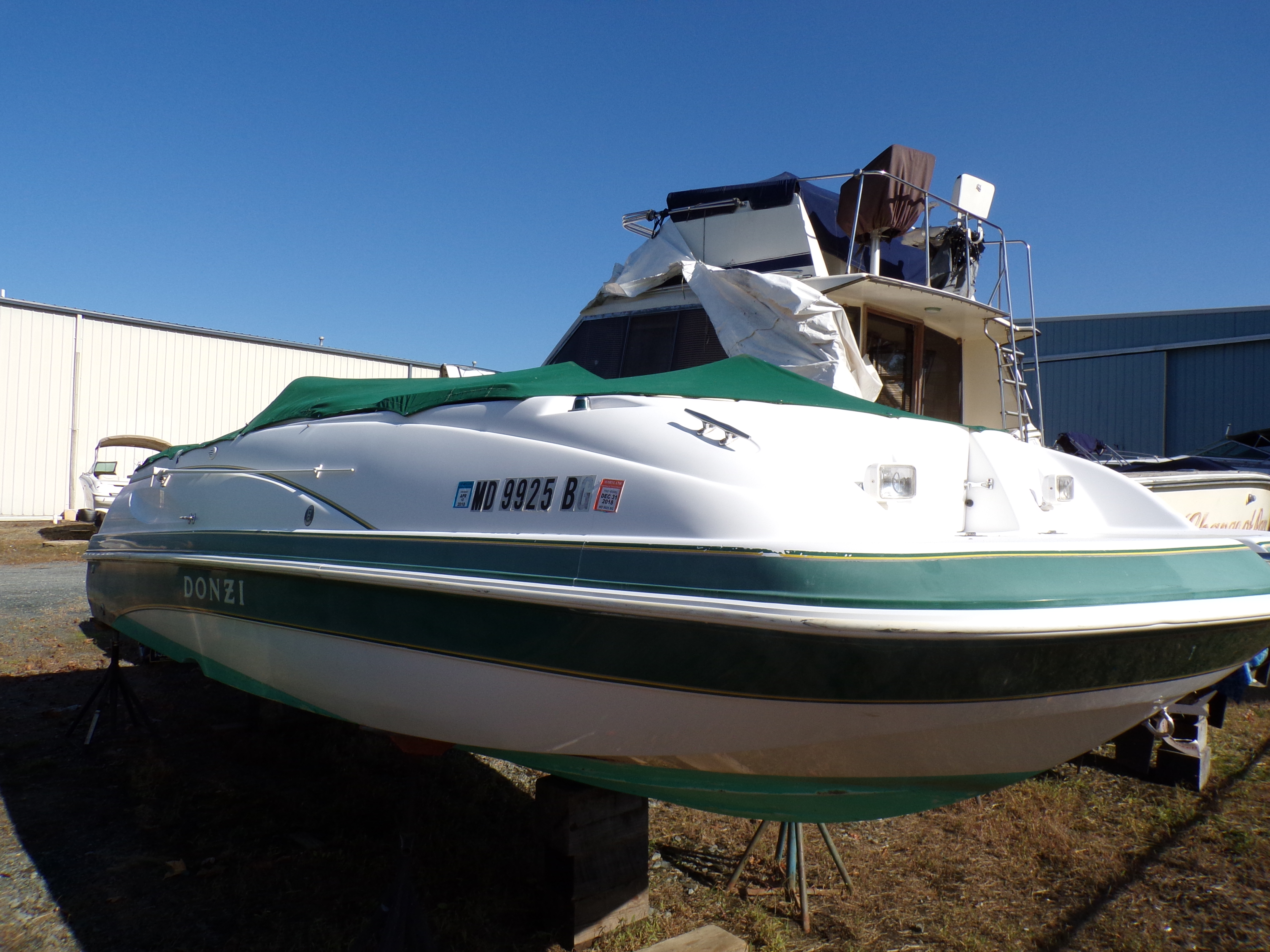 Donzi Deck Boat