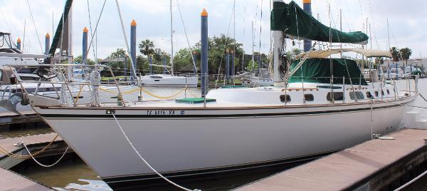 Endeavour Limited Edition 51 Exterior port
