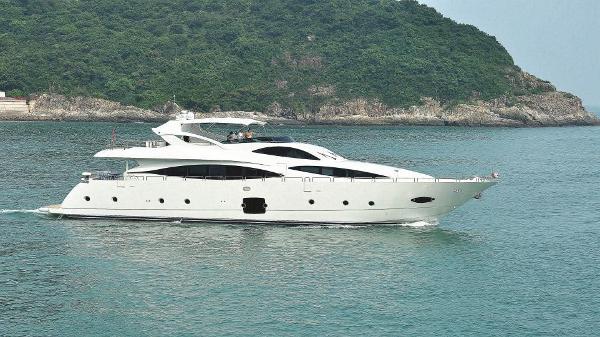 Allmand Yachts Luxury Yacht 103