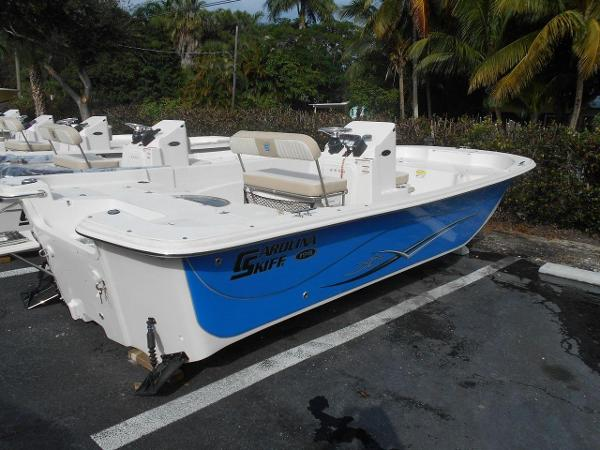 Carolina Skiff 198 DLV Center Console