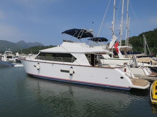 Custom Sen Koh Taiwan 45 Motor Yacht Profile