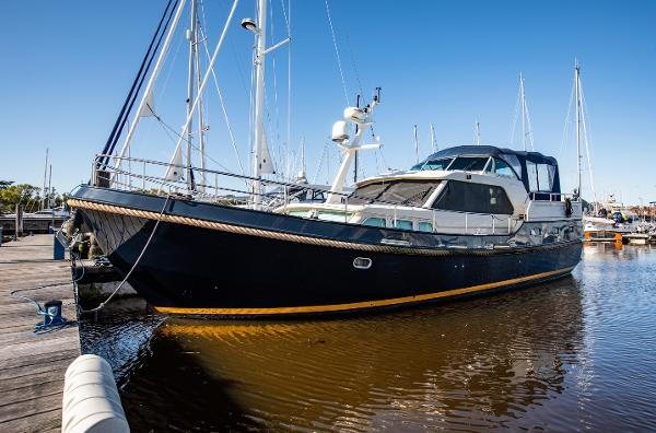 Linssen Grand Sturdy 470 AC MKII Twin Linssen Grand Sturdy 470 AC MKII Twin