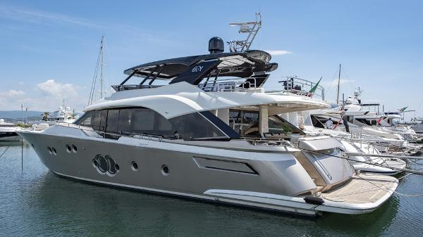 Monte Carlo Yachts 80 MCY