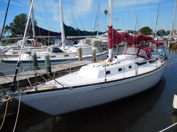 Morgan 34 Sloop Portside Profile