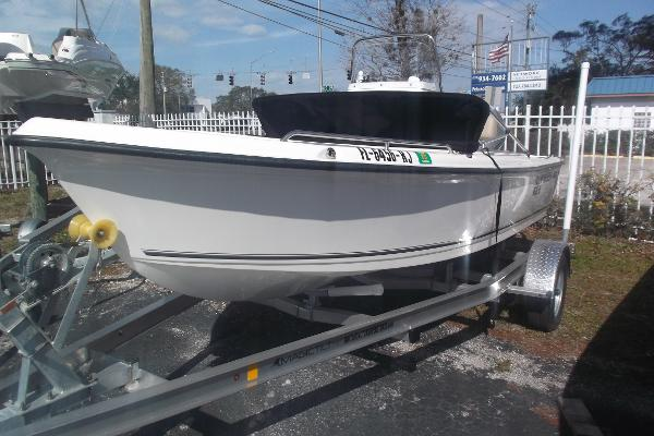Key West 1720 SPORTSMAN 7 HOURS W TRAILER