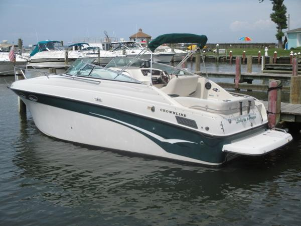 Crownline 262 CR Port Quarter