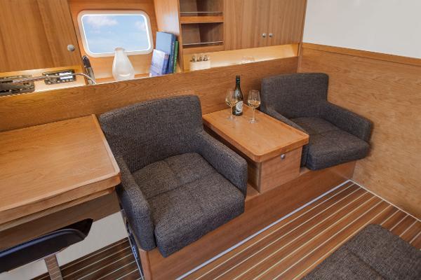 Hanse 445 Seating