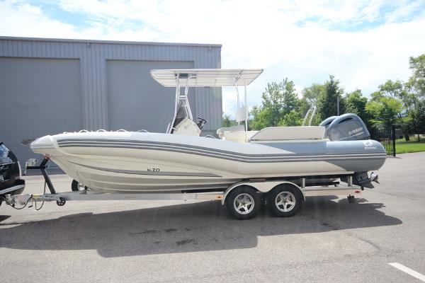 Zodiac N-ZO 760 NEO T-Top Twin 150hp In Stock