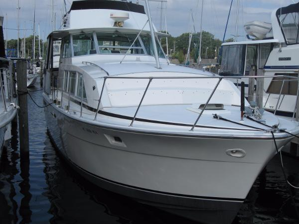 Bertram 42 Motor Yacht DOCKSIDE