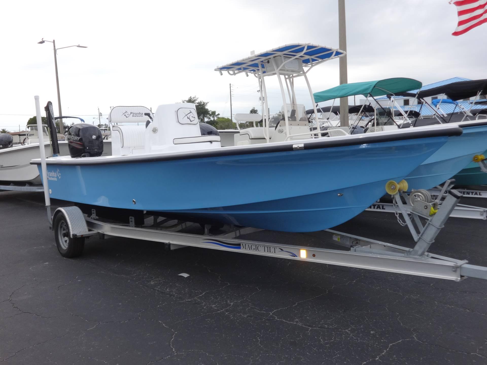 Piranha Boatworks B2200