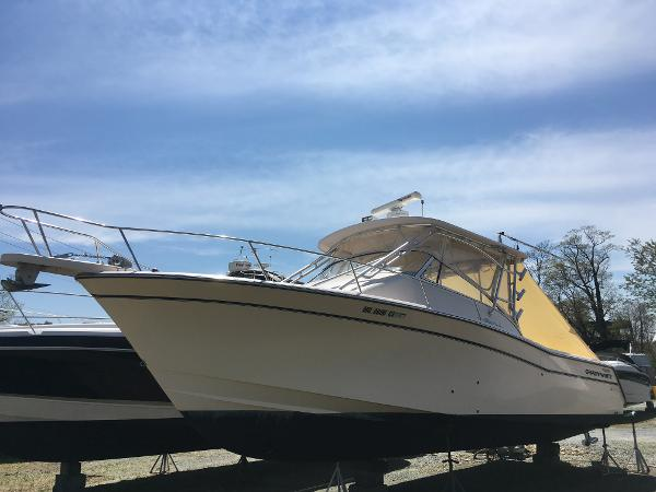 Grady-White Express 330 Port Bow