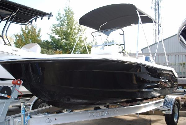 Robalo R160 Center Console 2018-robalo-r160-center-console-for-sale