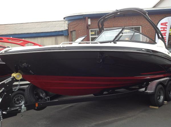 Yamaha Boats 212 Limited S