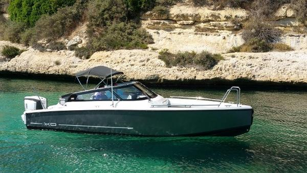 XO Boats 250 OPEN Cruising