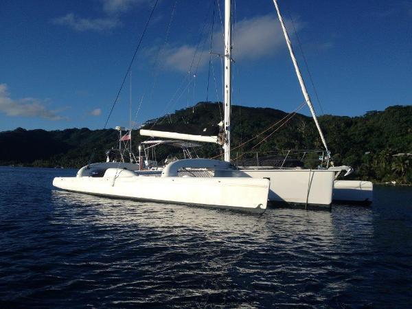 Contour Anchored in Tahiti