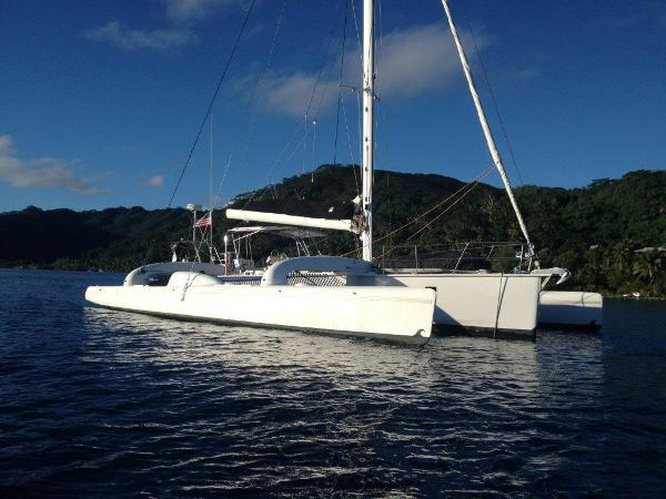 Contour Anchored in Tahiti