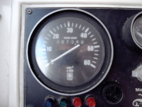 Engine rev counter/ hr meter