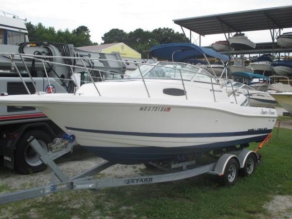Wellcraft EXCEL 23 Port Bow