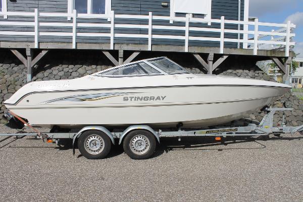 Stingray 220 SX