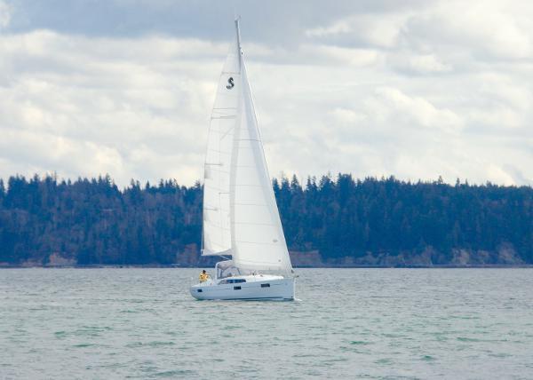 Beneteau Oceanis 38.1 in English Bay