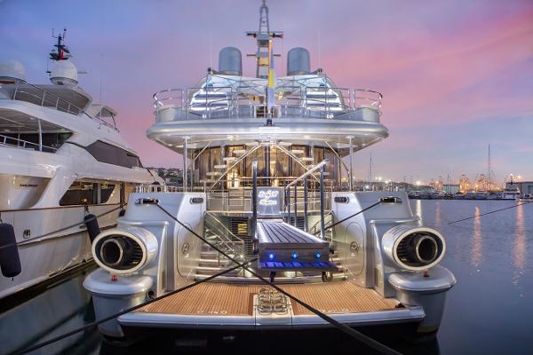 Oceanfast Motoryacht